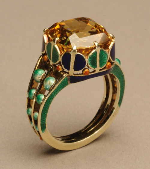 Marie Zimmermann. Ring. Gold, enamel and zircon, 1/2 x 1/2 in. (1.3 x 1.3 cm). Private collection. Photograph: David Cole © American Decorative Art 1900 Foundation. Used by permission.