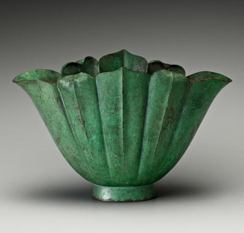 Marie Zimmermann. Bowl. Copper, 7 1/2 x 11 5/8 x 7 1/4 in. (19.1 x 29.5 x 18.4 cm). Private collection. Photograph: Gavin Ashworth © American Decorative Art 1900 Foundation. Used by permission.