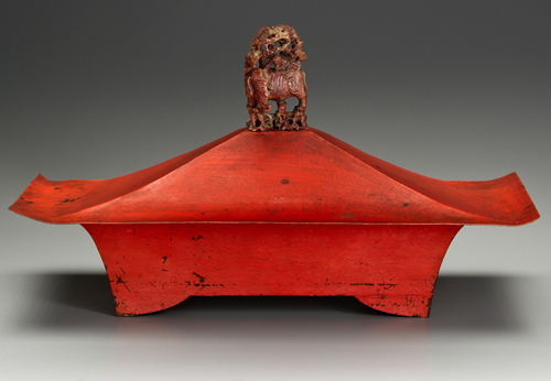 Marie Zimmermann. Covered box. Copper and jade, 9 1/2 x 16 1/2 x 8 1/4 in (24.1 x 41.9 x 21 cm). Private collection. Photograph: Gavin Ashworth © American Decorative Art 1900 Foundation. Used by permission.