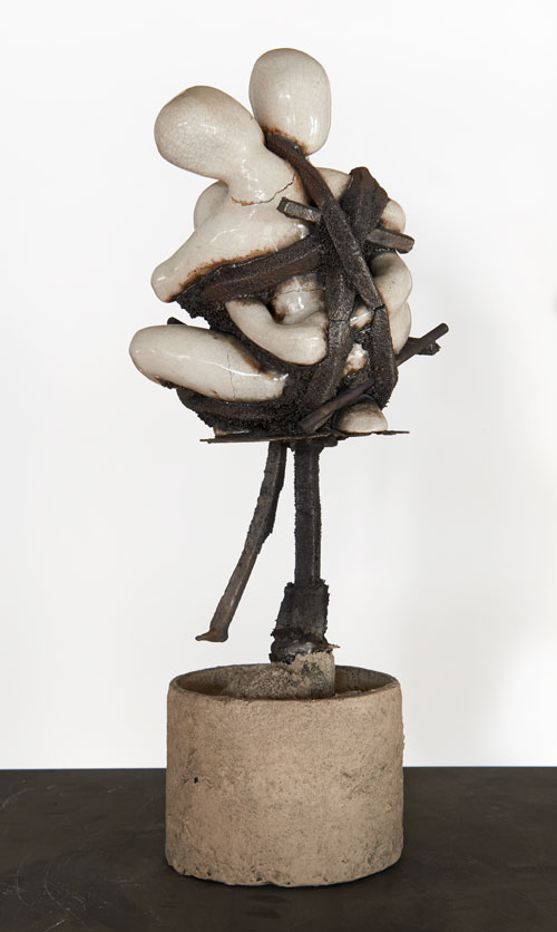 Xavier Mascaró. Couple, 2013. Ceramic and iron, 38 x 16 x 15cm. © Xavier Mascaró, 2013. Image courtesy of the artist. Photograph: Joaquin Cortes.