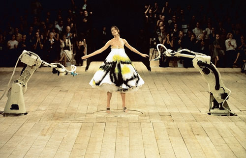 Spray painted dress. Alexander McQueen. No 13, S/S 1999. Model: Shalom Harlow represented by dna model management New York. Image: Catwalking.