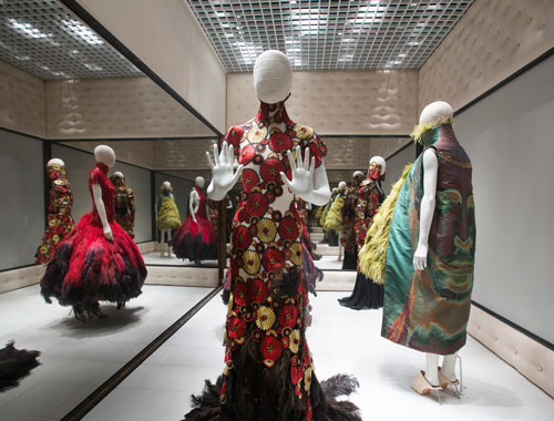 Installation view of Voss. Alexander McQueen Savage Beauty at the V&A, 2015. Victoria and Albert Museum, London.