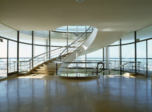 Bridget Smith. De La Warr Pavilion, 2004. Photo courtesy the artist.