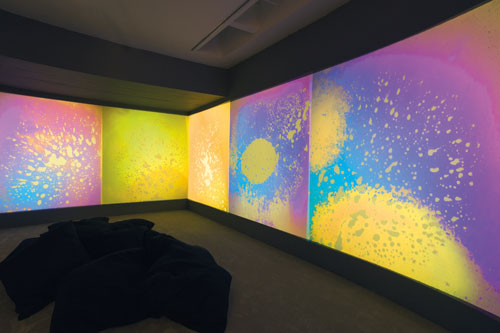 Gustav Metzger. Liquid Crystal Environment, 1965/2005, exhibition view. © Kettle's Yard, University of Cambridge. Photograph: Paul Allitt.