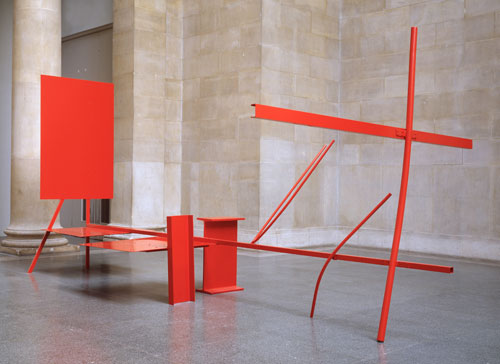 Anthony Caro. <em>Early One Morning</em>, 1962. Painted steel and aluminium, 289.6 x 619.8 x 335.5 cm. Tate, London. Photo John Riddy/Copyright Tate, London 2010. Copyright Barford Sculptures Ltd/The artist.