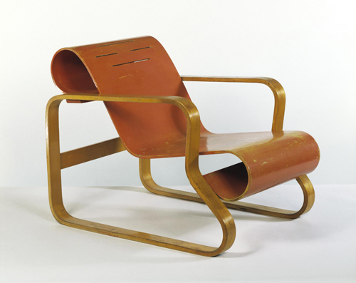 Alvar Aalto. <em>Paimio Chair</em>, 1930-1933 &copy; Victoria and Albert Museum, London