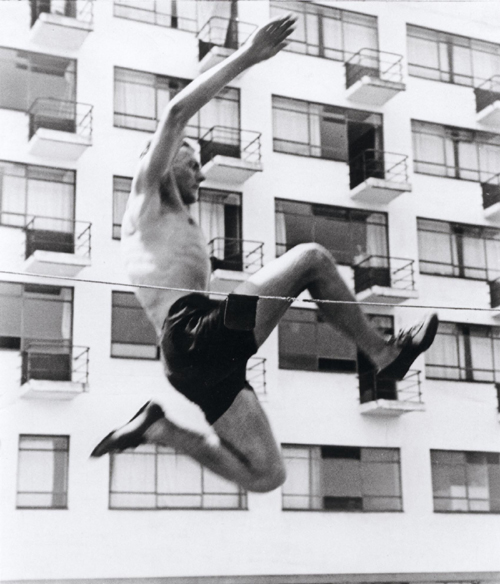 Hajo Rose (1910-1989) High jumper in front of Prellerhouse 1930 © Bauhaus Archiv, Berlin.