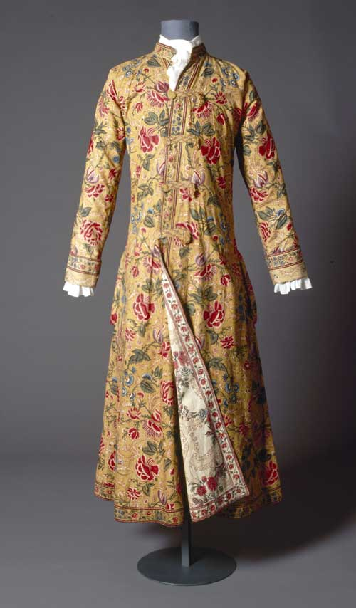 Man's dressing gown, reversible, c. 1750. Cotton painted and dyed (Indian), 