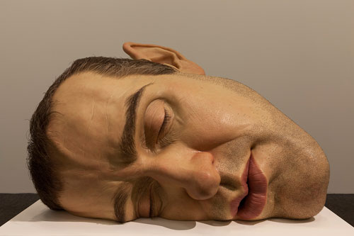 Ron Mueck. Mask II, 2002. Mixed media, 77 x 118 x 85 cm. Anthony d'Offay, London. Photograph: Isabella Matheus.