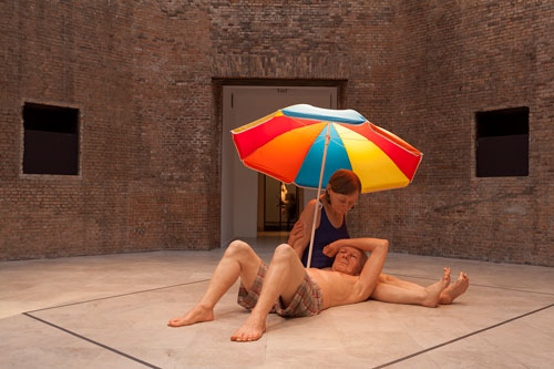 Ron Mueck. Couple Under an Umbrella, 2013. Mixed media, 300 x 400 x 350 cm. Collection Caldic, Wassenaar. Photograph: Isabella Matheus.