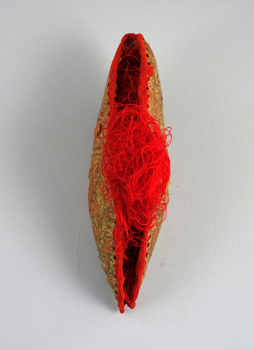 Sana Musasama. Cut, 2013. Stoneware, mixed media. Courtesy of the artist.