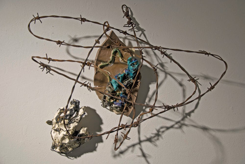 Sana Musasama. The Wall, 2010. Ceramic and mixed media, 16 x 21 x 11 in. Courtesy of the artist and the June Kelly Gallery, NY.