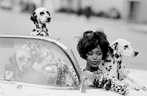 Naomi Campbell in Geoffrey Beene (American, 1927–2004). Vogue, June 1990. Photograph by Peter Lindbergh (German, born 1944). Photograph courtesy of Peter Lindbergh.