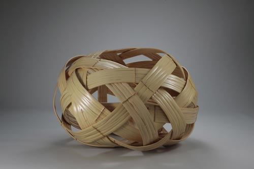 Matsumoto Hafu (b. 1952) <em>Outsize flower basket</em>, 2008. Bamboo, approximately 20 x 31 in. Collection of Saito Masamitsu. Photo: Tsuyoshi Inui.