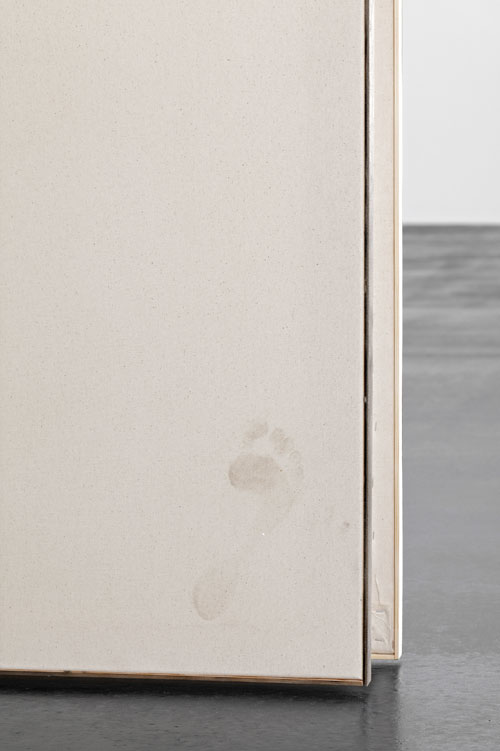 David Ostrowski. F (Musik ist Scheisse), 2014. Lacquer and dirt on canvas, wood, 400 x 350 cm (157.48 x 137.8 in) (detail). © David Ostrowski. Photograph: Hans-Georg Gaul. Courtesy of the Artist and Peres Projects, Berlin.