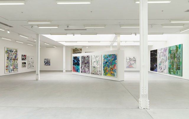 Installation view, Laura Owens, Sadie Coles HQ, London, October 5 – December 16, 2016. Courtesy the artist / Gavin Brown's enterprise, New York / Rome; Sadie Coles HQ, London; and Galerie Gisela Capitain, Cologne.