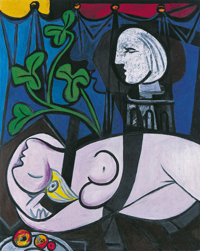 Pablo Picasso. Nude, Green Leaves and Bust (Femme nue, feuilles et buste), 1932. Oil paint on canvas, 162 x 130 cm. Private collection. © Succession Picasso/DACS London, 2017.
