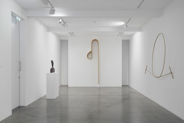 Martin Puryear, installation view at Parasol unit, London, 2017. Photograph: Benjamin Westoby. Courtesy of Parasol unit foundation for contemporary art.