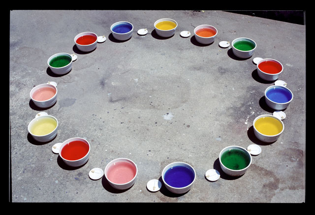 Lygia Pape. Roda dos prazeres (Wheel of Pleasures), 1967. Porcelain vessels, droppers, distilled water, flavorings and food colouring. Photograph: Paula Pape. © Projeto Lygia Pape.