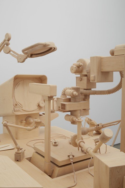 Roxy Paine. Scrutiny, 2014 (detail 2). Maple. Approx. 70 x 130 in (177.8 x 330.2 cm). Courtesy of the artist and Marianne Boesky Gallery, New York © Roxy Paine. Photograph: Jason Wyche.