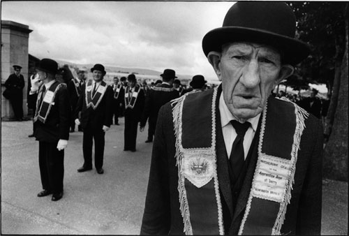 Gilles Caron. Apprentice Boys of Derry parade, Londonderry, Northern Ireland (12 August 1969)