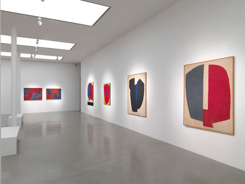 Serge Poliakoff: Silent Paintings. Installation view (1), 14 January – 21 February, Timothy Taylor Gallery.
