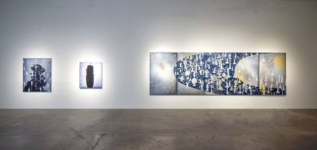 Barbara Takenaga: Manifold, installation view, Robischon Gallery 2019. Left to right: Shadow Love, acrylic on linen, 54 x 45 in; Hello, acrylic on linen, 42 x 36 in; Manifold 5, acrylic on linen, 70 x 225 in. Image courtesy Robischon Gallery.