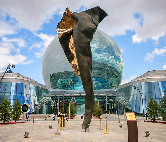 Among Expo 2017's vast complex of pavilions stands Andrew Rogers' I AM–ENERGY. A sculptural feat of engineering, it spirals triumphantly upwards to more than 10 metres, confronting visitors like a graceful ballerina en pointe