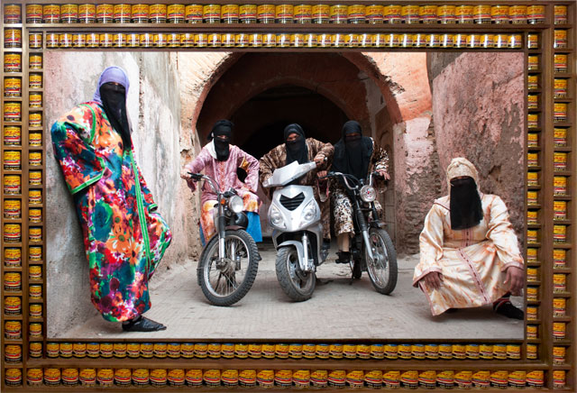 Hassan Hajjaj. Henna Bikers. Metallic lambda, 168.4 x 238.3 cm. Courtesy of the artist.
