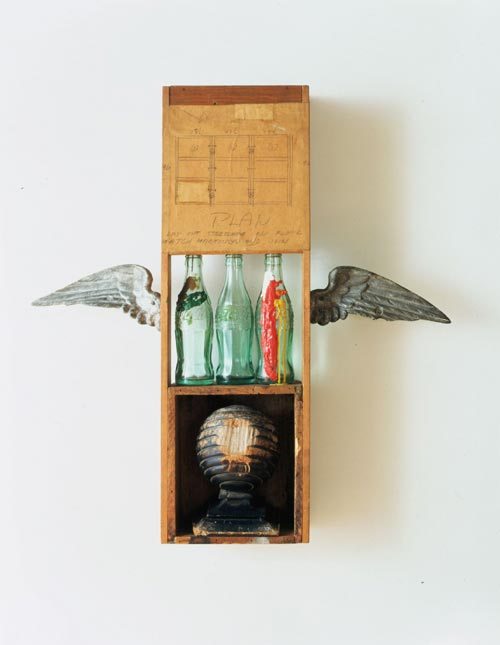 Robert Rauschenberg, <em>Coca Cola Plan</em>, 1958. Musée d'Art Contemporain de Los Angeles (MOCA), Collection Panza © Robert Rauschenberg / Adagp, Paris, 2006