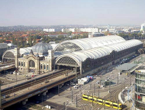Foster + Partners. Dresden Station redevelopment, Dresden, Germany. Photograph © Nigel Young.