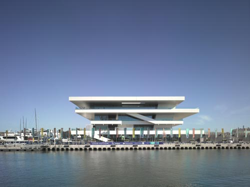 David Chipperfield Architects. America's Cup Building, Valencia, Spain. Photograph © Christian Richters.