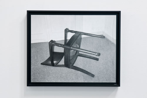 Reiner Ruthenbeck. Overturned Chair. Black and white photograph, 31.6 x 40 cm. Stiftung Kunstfonds/Courtesy Maison de la Culture d'Amiens and Hubert Besacier. Image © READS 2014.