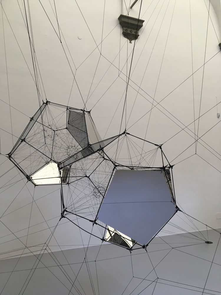 Tomás Saraceno. Connectome, installation view, Palazzo Strozzi, Firenze. Photo: Veronica Simpson.