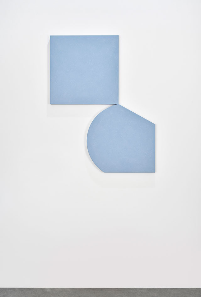 Ettore Spalletti. L'altro per l'una, 2018. Colour impasto on board, two elements: 23 5/8 x 23 5/8 x 1 5/8 in (60 x 60 x 4 cm) each. Photograph: Rebecca Fanuele. Courtesy of the artist and Galerie Marian Goodman Paris.