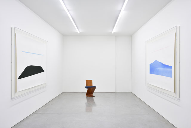 Installation view, Ettore Spalletti, Ce qu'il y a de plus profond dans l'homme c'est la peau, Galerie Marian Goodman Paris, 2018. Photograph: Rebecca Fanuele. Courtesy of the artist and Galerie Marian Goodman Paris.