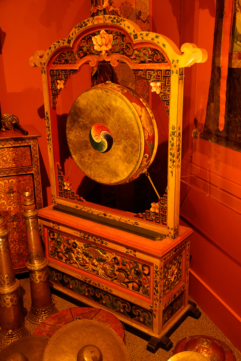 The Tibetan Buddhist Shrine Room from the Alice S. Kandell Collection. Gifts and promised gifts from the Alice S. Kandell Collection to the Arthur M. Sackler Gallery, Smithsonian Institution, Washington, DC. Photograph: Miguel Benavides.