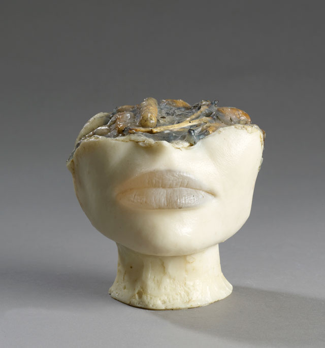 Alina Szapocznikow. Cendrier de Célibataire I (The Bachelor's Ashtray I), 1972. Coloured polyester resin and cigarette butts. Private collection. © ADAGP, Paris 2017. Courtesy of the Estate of Alina Szapocznikow, Piotr Stanislawski and Galerie Loevenbruck, Paris. Photograph: Fabrice Gousset.