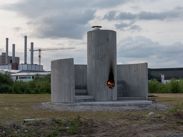Oscar Tuazon. Burn the Formwork, installation view, Münster, 2017. © Skulptur Projekte 2017. Photograph: Henning Rogge.