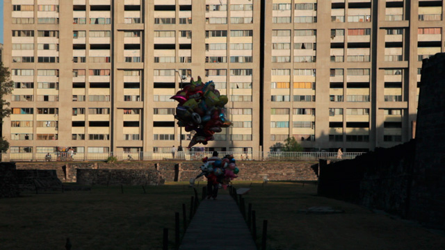 Anri Sala. Tlatelolco Clash, 2011 (still). Single-channel HD video, 5.0 surround sound, colour; 11:49 min. © Anri Sala. Courtesy kurimanzutto, Mexico City; Marian Goodman Gallery; Hauser & Wirth; Galerie Chantal Crousel, Paris; and Kaikai Kiki, Tokyo.