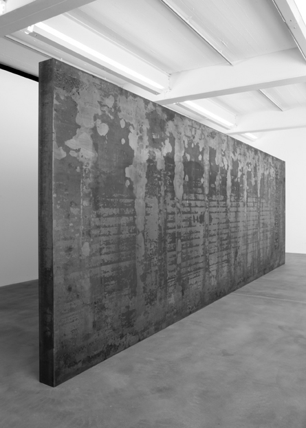 Richard Serra. <em>Fernando Pessoa</em>, 2007-8. Weatherproof steel, 118 1/8 x 354 1/2 x 8 inches (300 x 900.4 x 20.3 cm). © Richard Serra. Courtesy of Gagosian Gallery. Photo credit: Joshua White.
