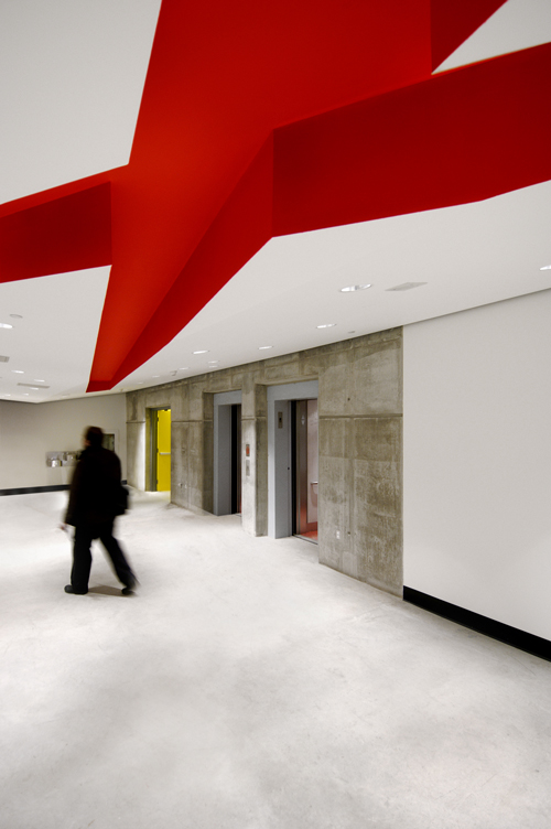 Will Alsop, Sharp Center. <em>Interior view of lifts</em>.