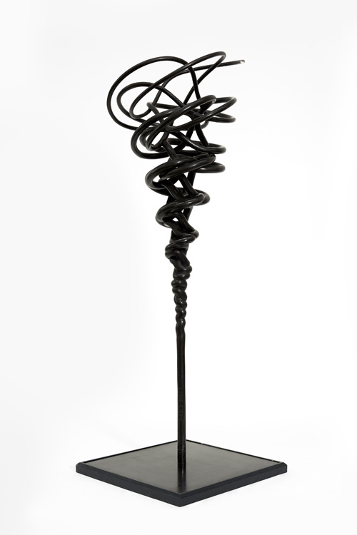 Conrad Shawcross. Manifold 5:4, 2015. Bronze, height 120 cm (47 1/4 in). Edition of 3 plus 2 APs. Courtesy the artist and Victoria Miro, London. © Conrad Shawcross.