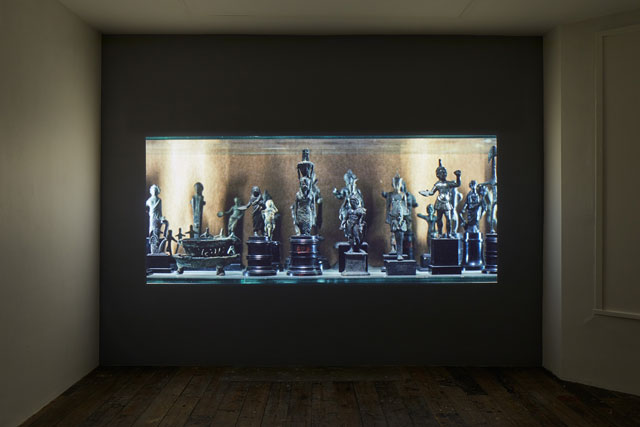 Amie Siegel. Fetish, 2016. HD video, colour/sound. Exhibition view, South London Gallery, 2017. Courtesy the artist and Simon Preston Gallery, New York. Photograph: Andy Stagg.