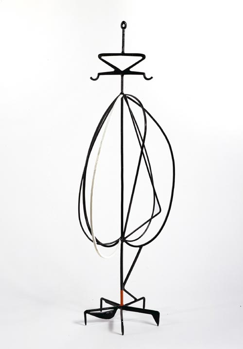 David Smith. <em>Anchorhead</em>, 1952. Painted steel 194.9 x 65.4 cm. Copyright Estate of David Smith, licensed by VAGA, NY. Courtesy of Gagosian Gallery.