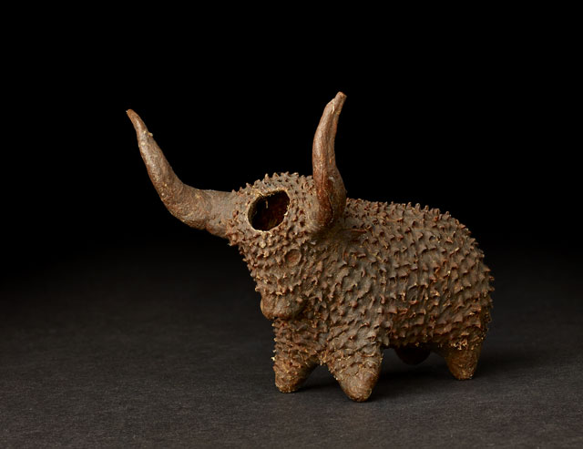 Xhosa Snuffbox in the shape of an ox, South Africa, late 19th century. © The Trustees of the British Museum.