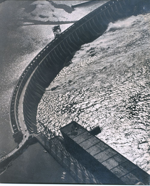 Georgy Petrusov. Dnepr Hydroelectric Dam, 1934-35. Gelatin silver print. Collection of Alex Lachmann.