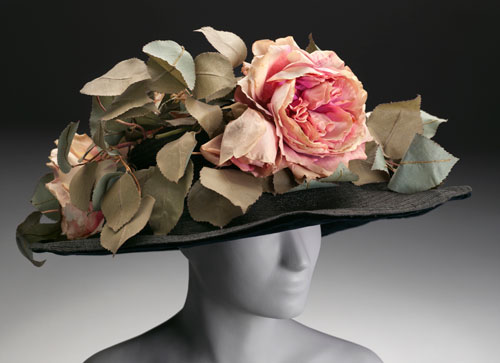 Joseph G. Darlington and Co., Philadelphia (American, active early 20th century). Woman's hat, c1908–10. Straw, silk flowers and leaves. Philadelphia Museum of Art, Gift of an anonymous donor, 1964-123-74.