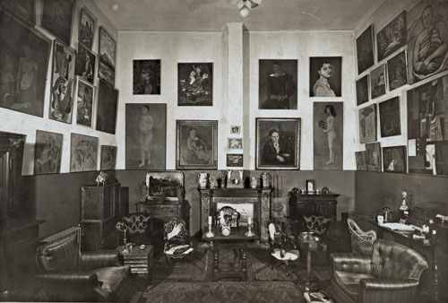 Gertrude Stein's and Alice B. Toklas's home at 27 Rue de Fleurus, Paris, 1934. Gelatin silver photograph. David and Barbara Block family archives.