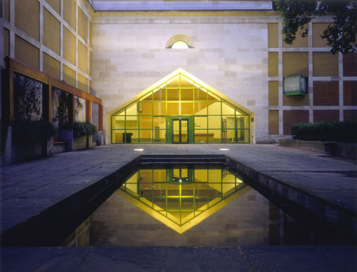 James Stirling, Michael Wilford, and Associates. Clore Gallery, Tate Britain. © Tate Photography.